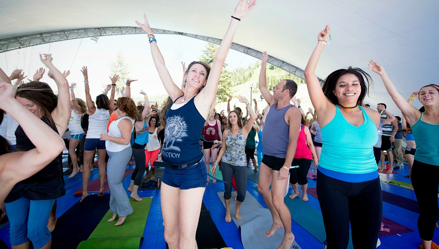 Celebrate IDY with Free Yoga!